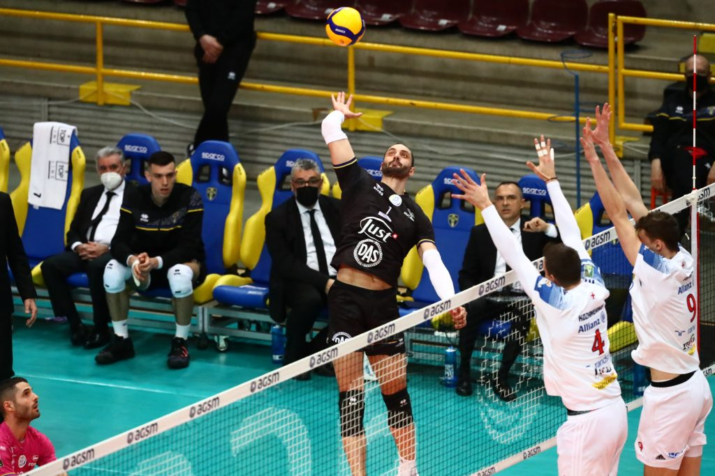Суперлига на Италия -предварителни плейофи втори мачове